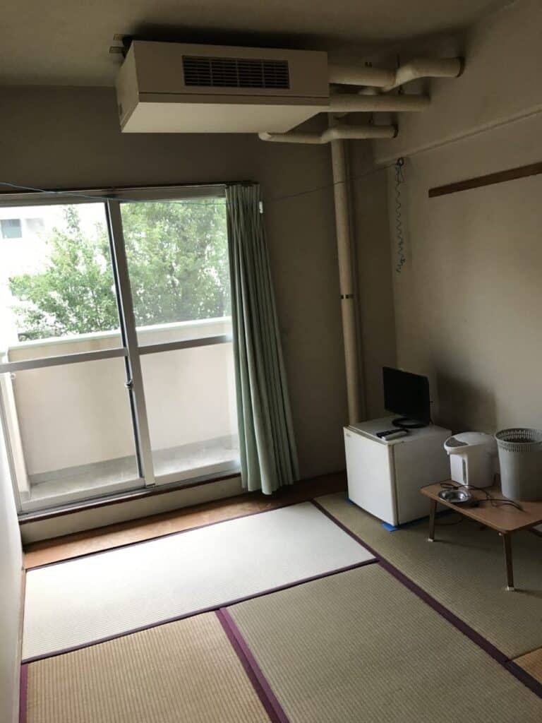 田原寮部屋